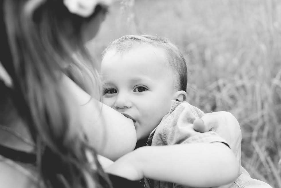 Melody Fetterman, Le'Mae Photography, breastfeeding in public